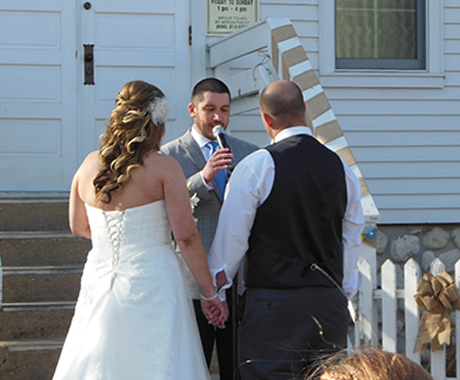 Beats and Deets Officiant